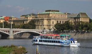 Wat te doen in Praag: boottocht