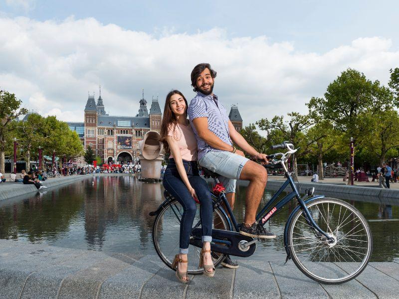 Amsterdam Student Bike Tour