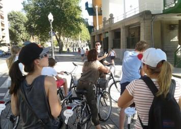 Bilbao Bike Tour and Bike Rental Combo